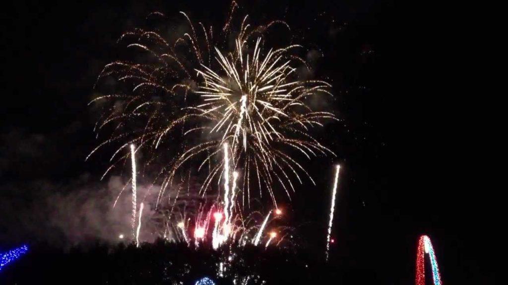 【138タワーパーク】ツインアーチの冬の花火の見どころをまとめました◎