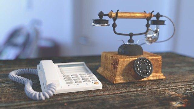 若者に多い【固定電話恐怖症】会社の電話に出るのも嫌だ!その理由は?