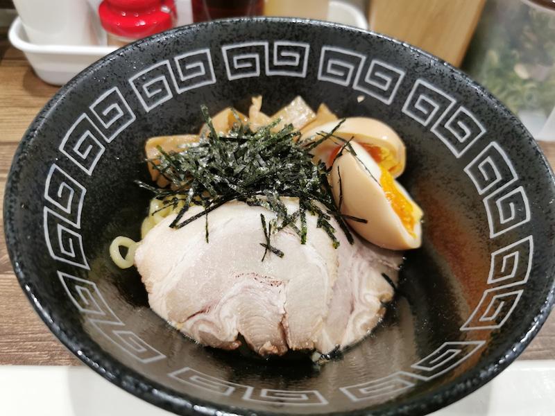 【油そばA】大阪・堺筋本町にオープン!店主が3年かけて作り上げた味とは?